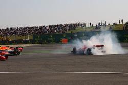 Max Verstappen, Red Bull Racing RB14 and Sebastian Vettel, Ferrari SF71H clash