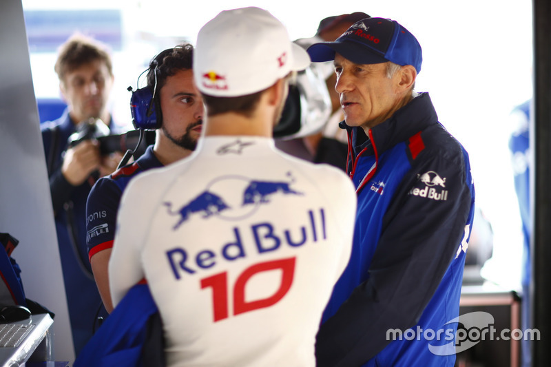 Pierre Gasly, Toro Rosso, and Franz Tost, Team Principal, Toro Rosso