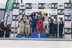 Podyum: Yarış galibi Ayhancan Güven, Ümit Ülkü, Arkın Aka, Attempto Racing, Lamborghini Huracan GT3, Aytaç Biter, Levent Kocabıyık ve Fatih Ayhan, Borusan Otomotiv Motorsport, BMW Z4 GT3