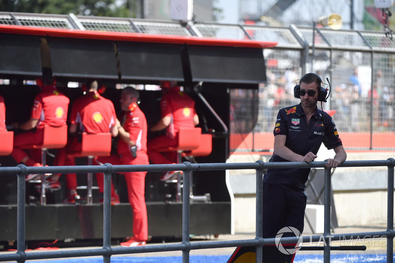 Un mécanicien de Red Bull Racing