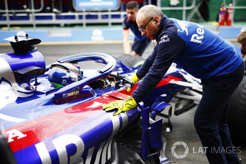 Brendon Hartley, Toro Rosso, dans la voie des stands