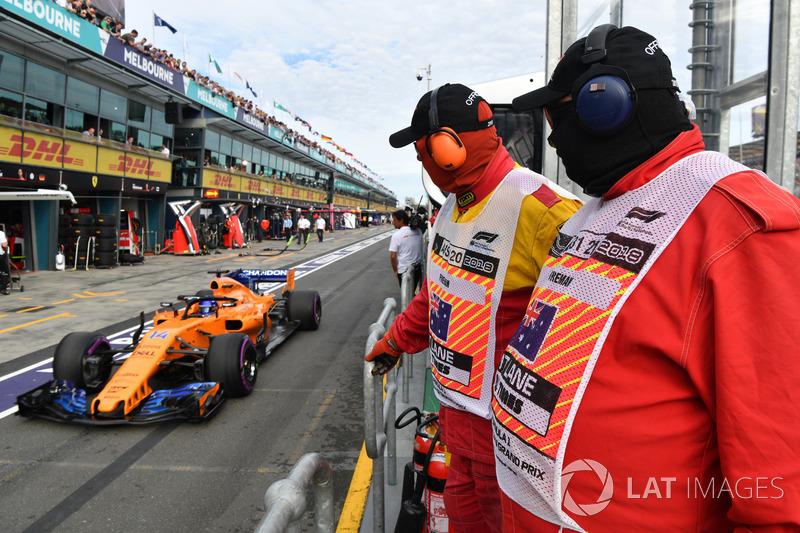 Маршалы и Фернандо Алонсо, McLaren MCL33