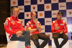 Paolo Ciabatti mit Andrea Dovizioso und Jorge Lorenzo, Ducati Team