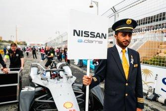 Un Grid Boy Saudia avec le panneau de Sébastien Buemi, Nissan e.Dams, Nissan IMO1
