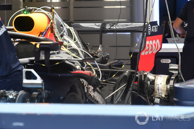 Red Bull Racing RB14 rear wing