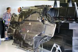 Днище Mercedes-Benz F1 W08