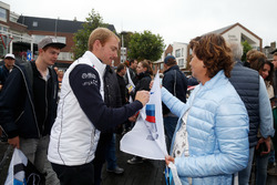 Maxime Martin, BMW Team RBM, BMW M4 DTM signs autographs