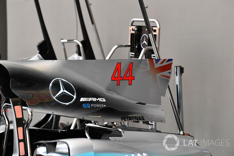 Mercedes-Benz F1 W08, Motorabdeckung und Finne