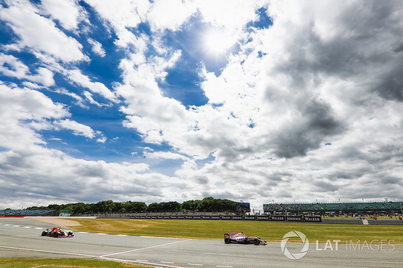 Серхіо Перес, Sahara Force India F1 VJM10, Даніель Ріккардо, Red Bull Racing RB13