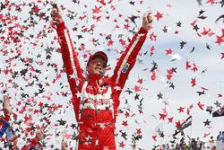 Sébastien Bourdais, Dale Coyne Racing Honda, celebra su victoria