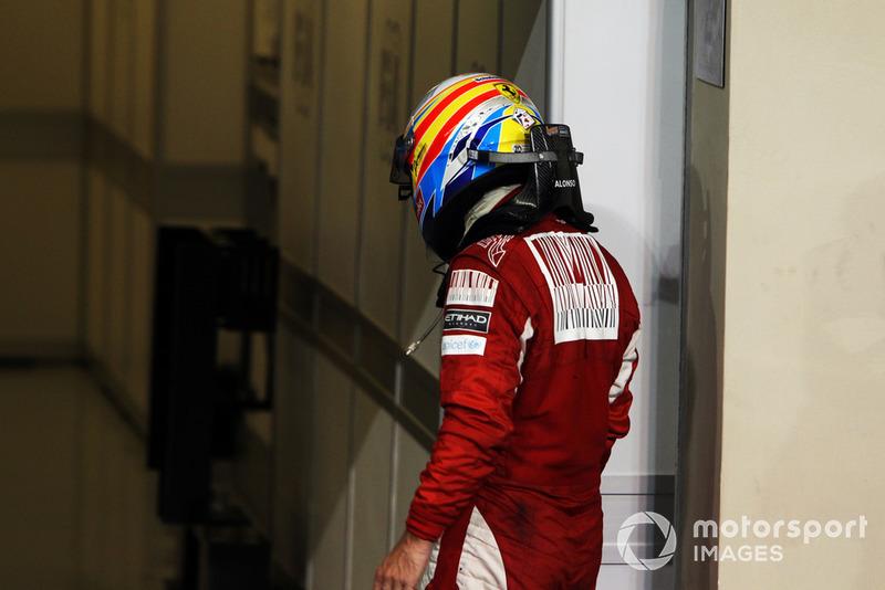 Ну а Фернандо Алонсо остался ни с чем, во второй раз в карьере проиграв титул в последней гонке чемпионата. Еще одно такое поражение его ждало в 2012-м. Третий титул он так и не завоюет