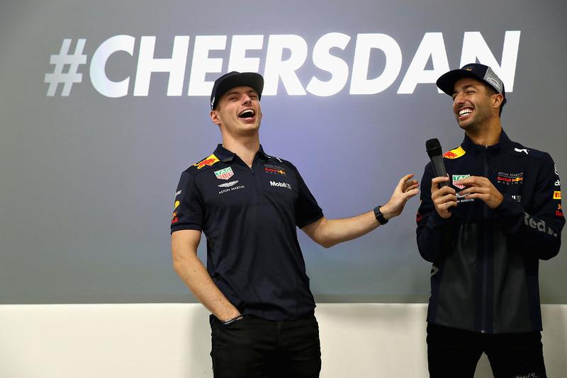 Max Verstappen, Red Bull Racing e Daniel Ricciardo, Red Bull Racing parlano al team Red Bull Racing