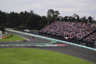 Кевин Магнуссен, Haas F1 Team VF-18, Даниэль Риккардо, Red Bull Racing RB14, и Себастьян Феттель, Ferrari SF71H