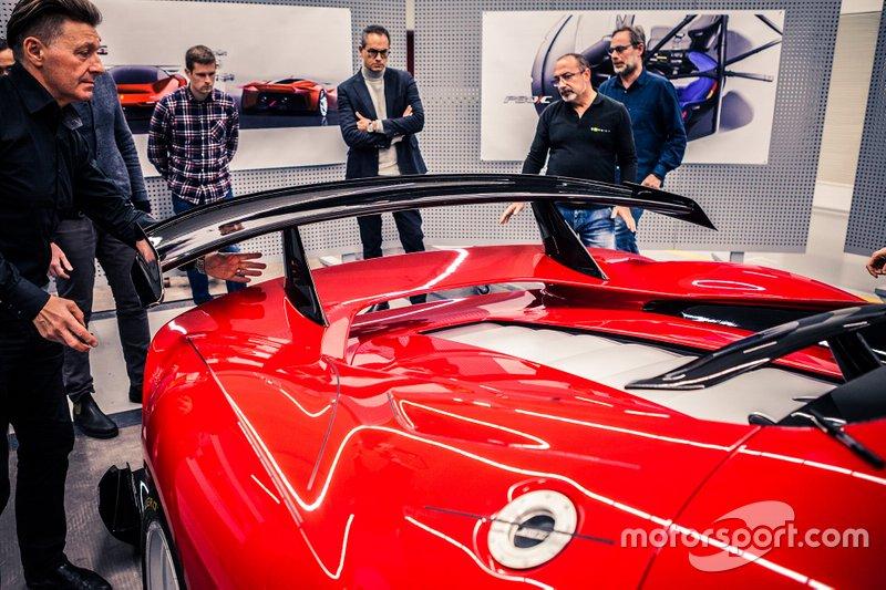 Presentazione Ferrari P80/C