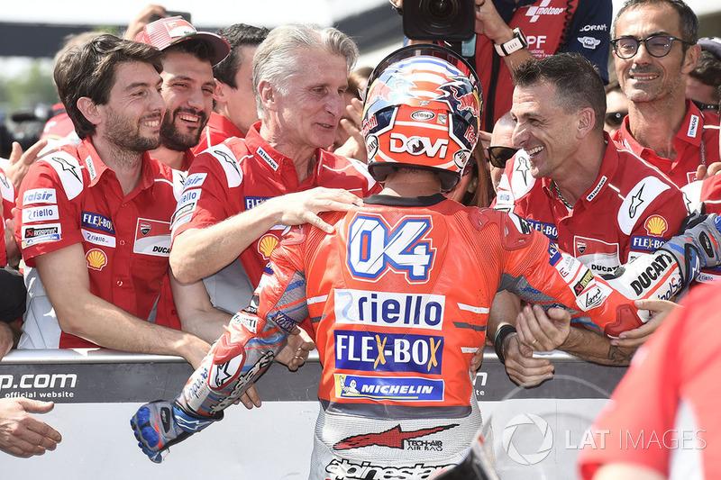 Andrea Dovizioso, Ducati Team, junto a Paolo Ciabatti