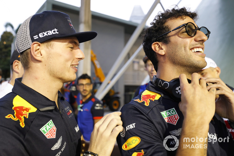 Max Verstappen, Red Bull Racing, y Daniel Ricciardo, Red Bull Racing