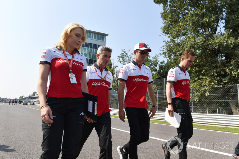Charles Leclerc, Sauber walks the track with Xevi Pujolar, Sauber Head of Track Engineering and Ruth Buscombe, Sauber Race Strategist