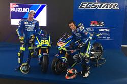 Андреа Янноне и Алекс Ринс с Suzuki 2017 года