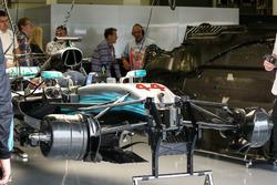 Mercedes-Benz F1 W08  suspensión delantera