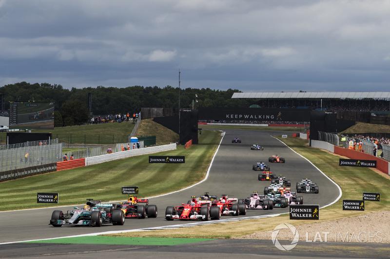 Льюіс Хемілтон, Mercedes AMG F1 W08, та інші