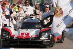 Ganadores #2 Porsche Team Porsche 919 Hybrid: Timo Bernhard, Earl Bamber, Brendon Hartley