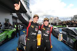 Racewinnaars en kampioenen #17 Belgian Audi Club Team WRT Audi R8 LMS: Stuart Leonard, Robin Frijns