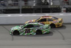 Kyle Busch, Joe Gibbs Racing Toyota, Ryan Newman, Richard Childress Racing Chevrolet