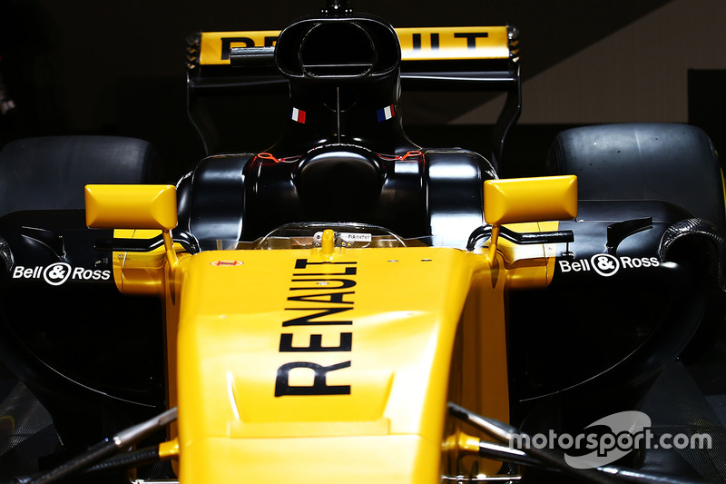 Renault RS17: Cockpit