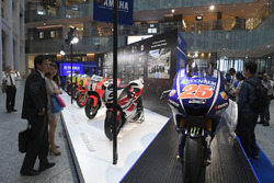 Мотоцикл Маверіка Віньялеса, Yamaha Factory Racing