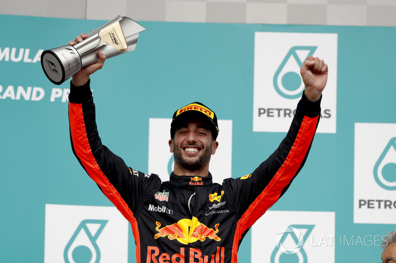 Third place Daniel Ricciardo, Red Bull Racing on the podium