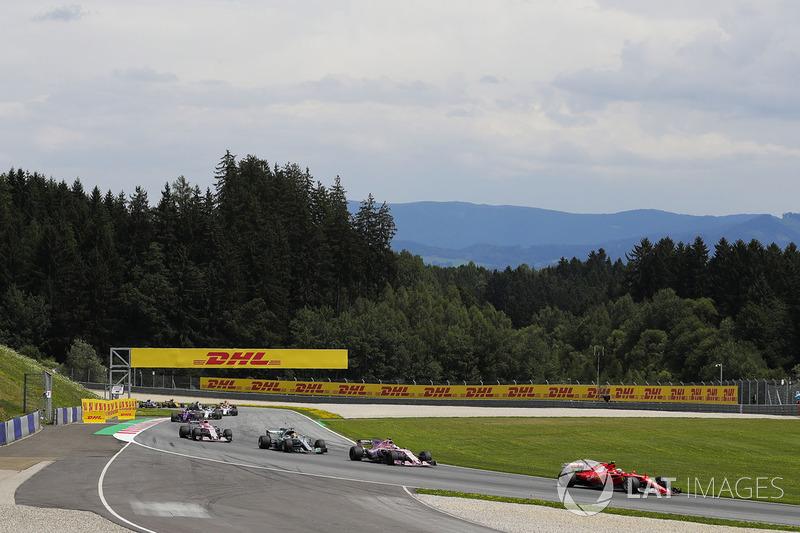 Кімі Райкконен, Ferrari SF70H, Серхіо Перес, Sahara Force India F1 VJM10, Льюіс Хемілтон, Mercedes A