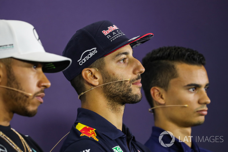 Lewis Hamilton, Mercedes AMG F1, Daniel Ricciardo, Red Bull Racing, Pascal Wehrlein, Sauber
