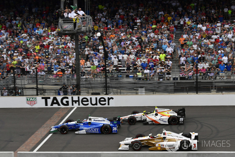 Takuma Sato, Andretti Autosport Honda, Helio Castroneves, Team Penske Chevrolet, Ed Jones, Dale Coyne Racing Honda