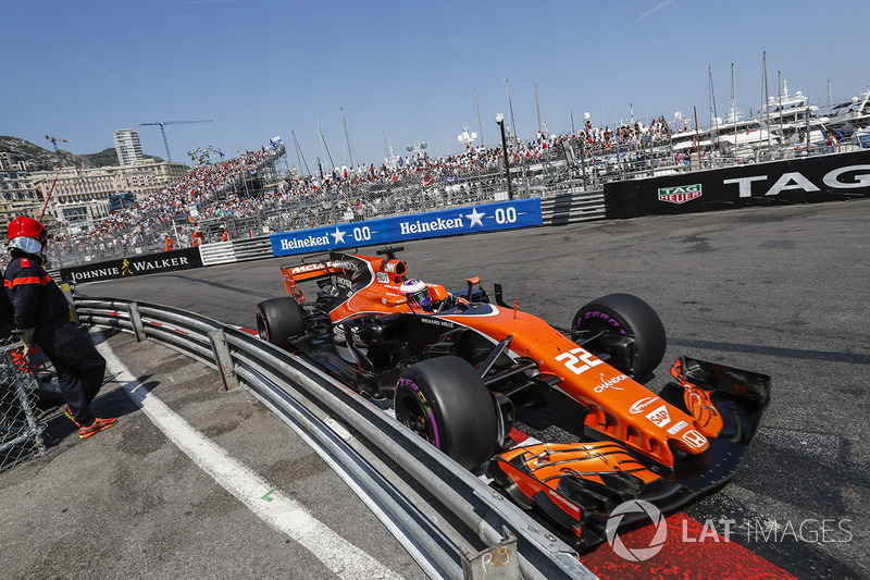 Jenson Button, McLaren: 15*