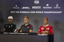 Lewis Hamilton, Mercedes AMG F1, Kevin Magnussen, Haas F1 Team y Sebastian Vettel, Ferrari