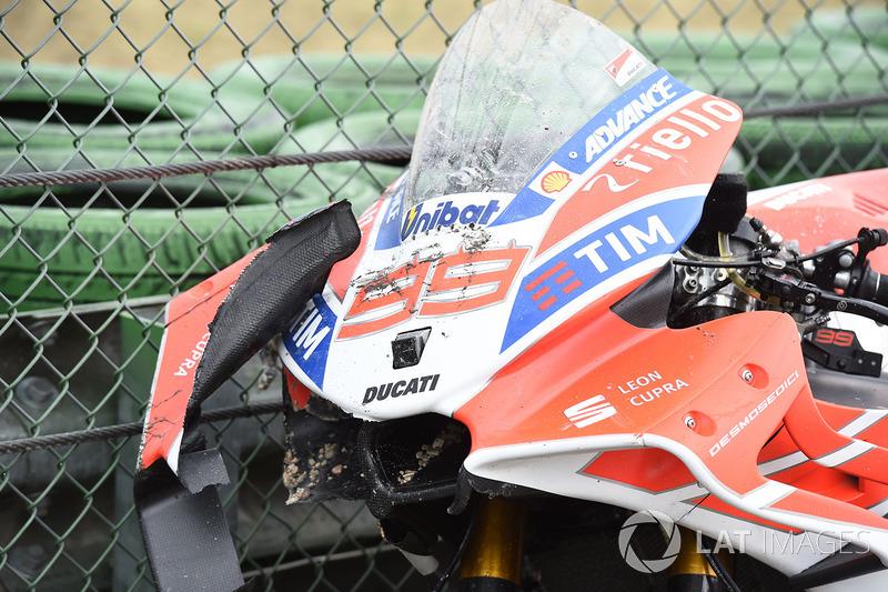 Jorge Lorenzo, Ducati Team crashed bike