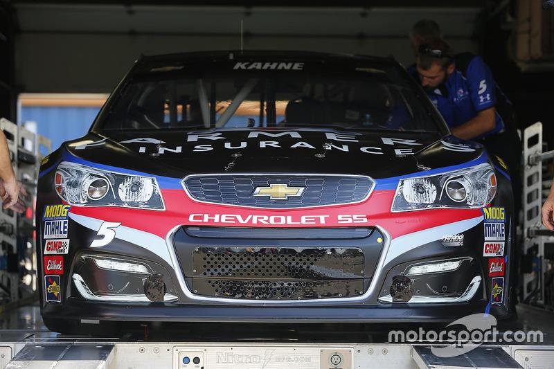L'auto di Kasey Kahne, Hendrick Motorsports Chevrolet, durante le verifiche