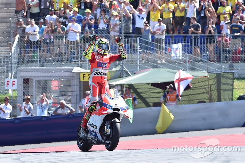 Il vincitore della gara Andrea Iannone, Ducati Team