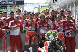 Ganador de la pole Andrea Iannone, Ducati Team, Andrea Dovizioso, Ducati Team