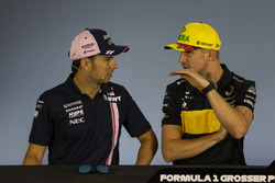 Серхио Перес, Sahara Force India F1, и Нико Хюлькенберг, Renault Sport F1 Team