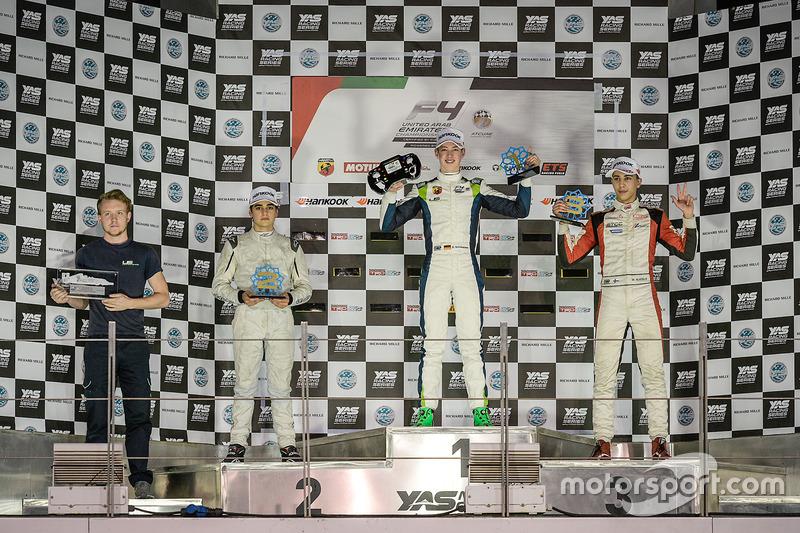 Podium : le vainqueur David Schumacher, Rasgaira Motorsports, le deuxième Caio Collet, SILBERPFEIL Energy Dubai, le troisième William Alatalo, Mücke Motorsport