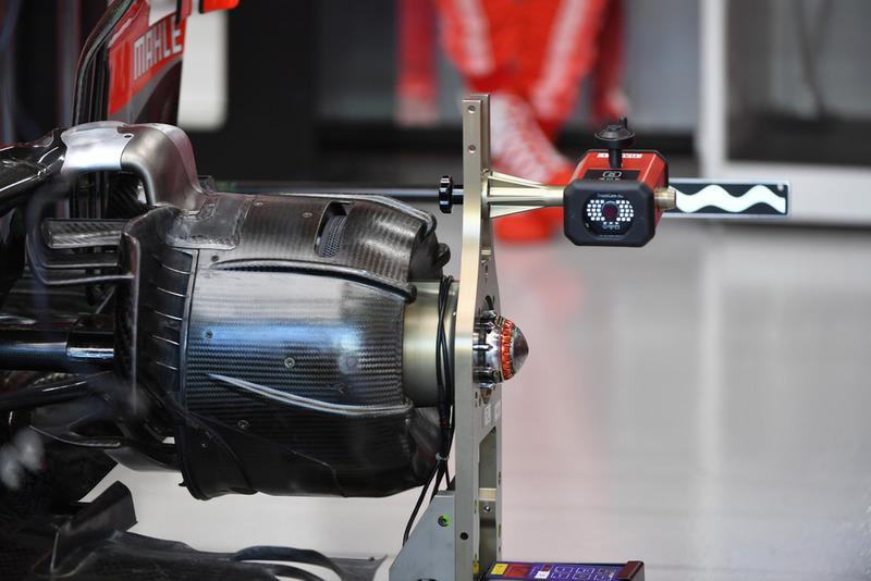 Detail hub roda Ferrari SF71H