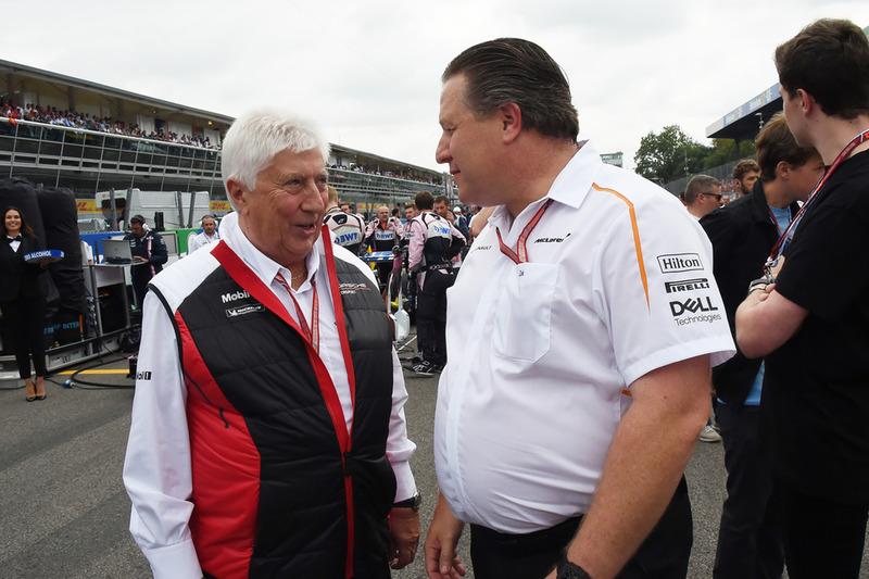 Herbie Blash y Zak Brown, McLaren