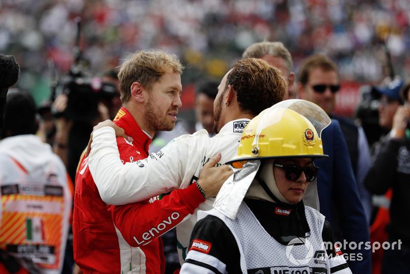 Sebastian Vettel, Ferrari ve 2018 F1 Dünya Şampiyonu Lewis Hamilton, Mercedes AMG F1
