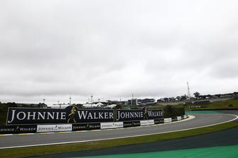 Dettaglio del circuito con una pubblicità Johnnie Walker