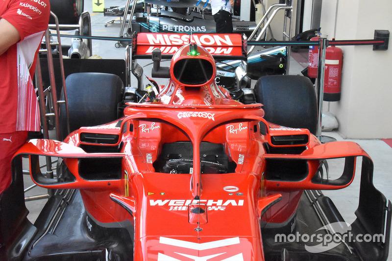 Dettaglio dell'abitacolo della Ferrari SF71H