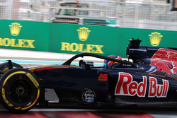 Daniil Kvyat, Scuderia Toro Rosso STR11 Halo kokpit ile