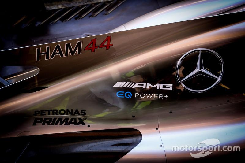 Mercedes AMG F1 W07 bodywork detail