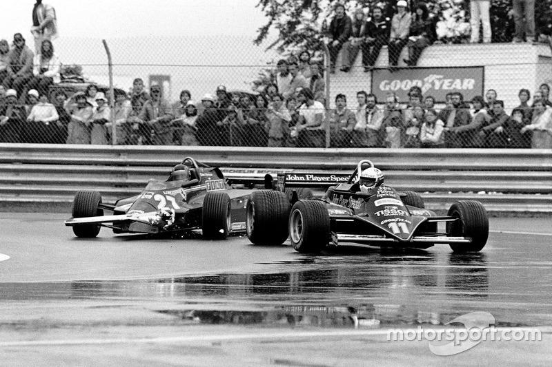 Жиль Вильнёв, Ferrari 126CK, и Элио де Анжелис, Lotus 87-Ford Cosworth