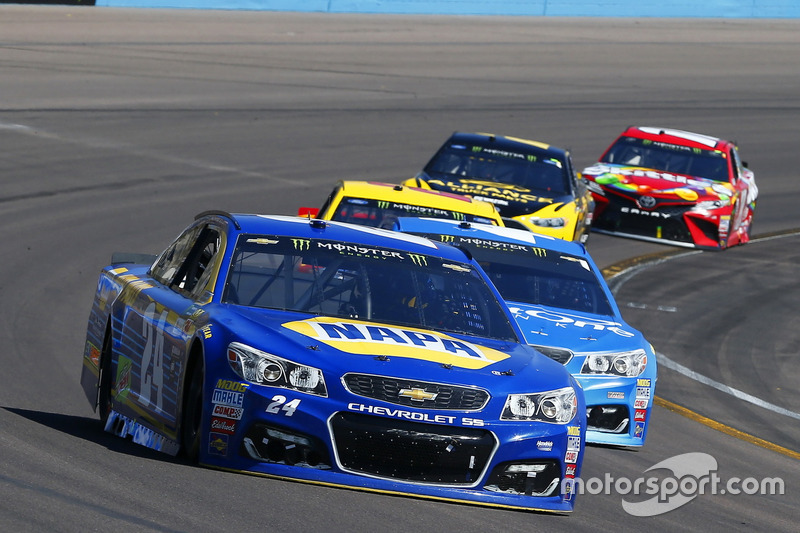 Chase Elliott, Hendrick Motorsports, Chevrolet; Kyle Larson, Chip Ganassi Racing, Chevrolet